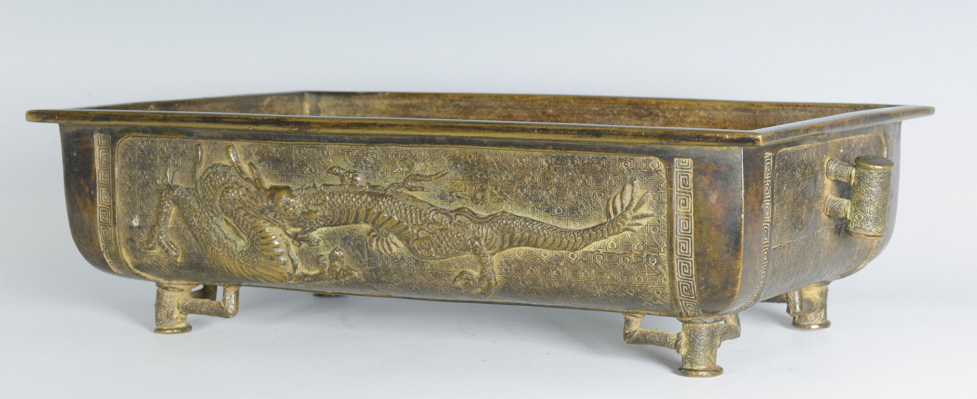 lot 326 bronze jardiniere dragon decoration