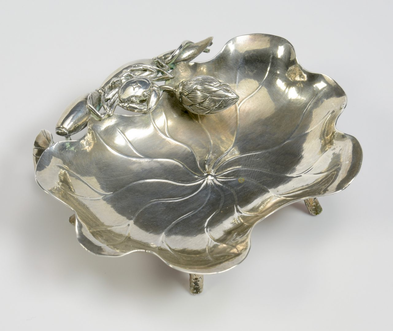 Lot 351: Chinese silver crab dish