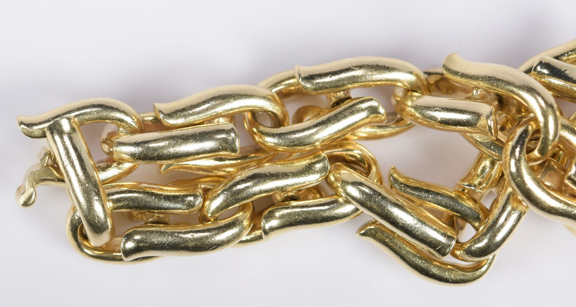 Lot 404: 14K Heavy Link Bracelet, 106.4 grams