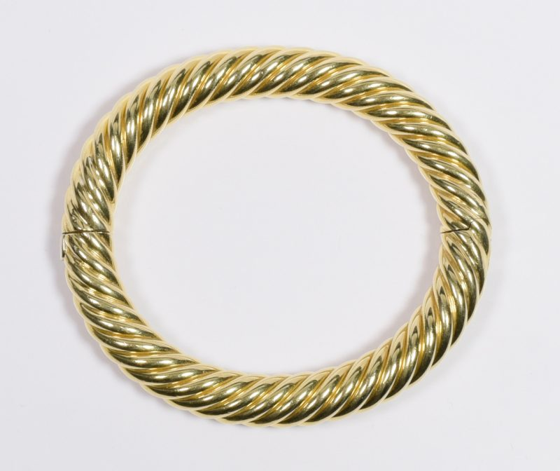 Lot 410: 18K Italian Twist Cable Bangle Bracelet
