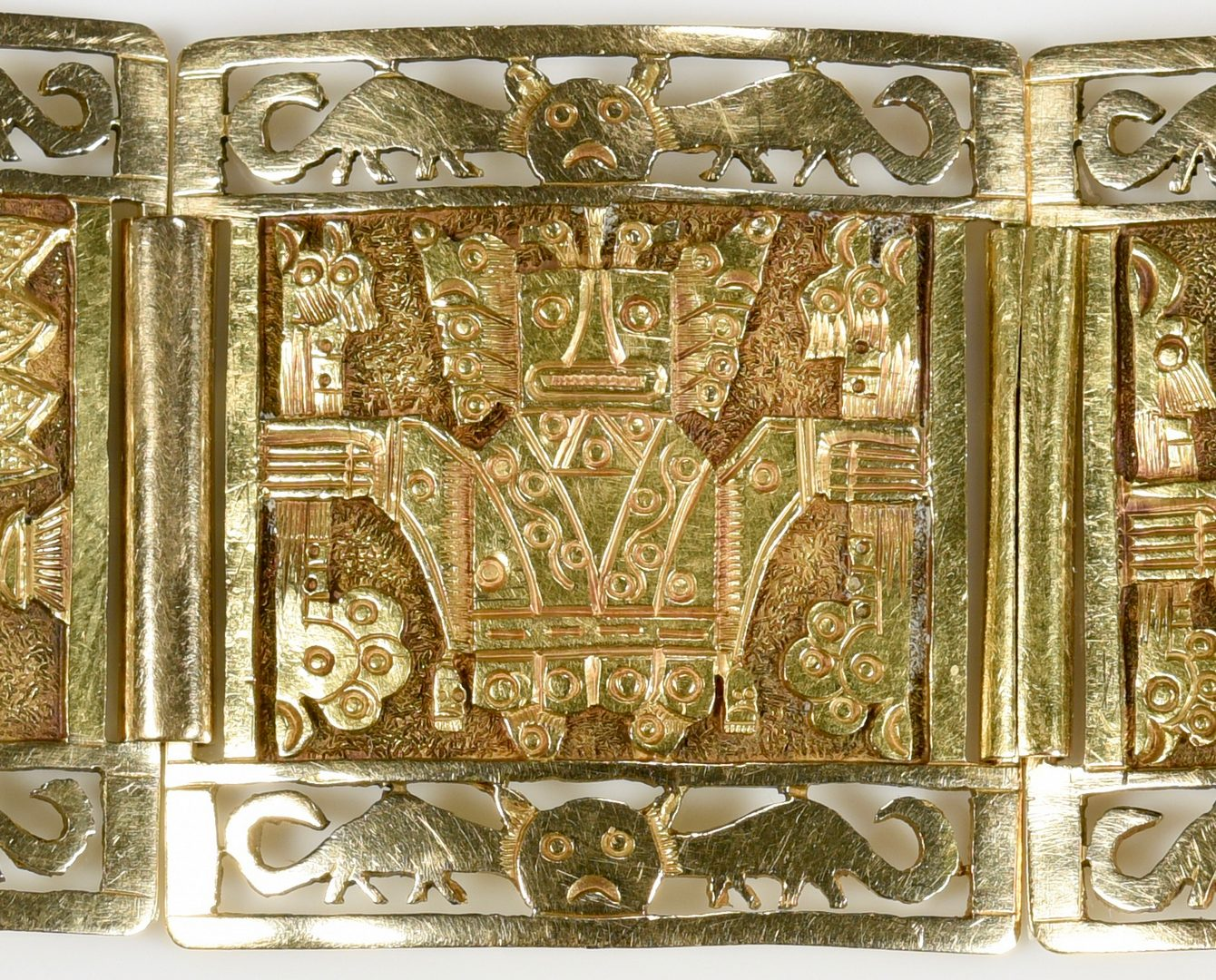 Lot 423: 18K Peruvian Link Bracelet, 88.7 grams