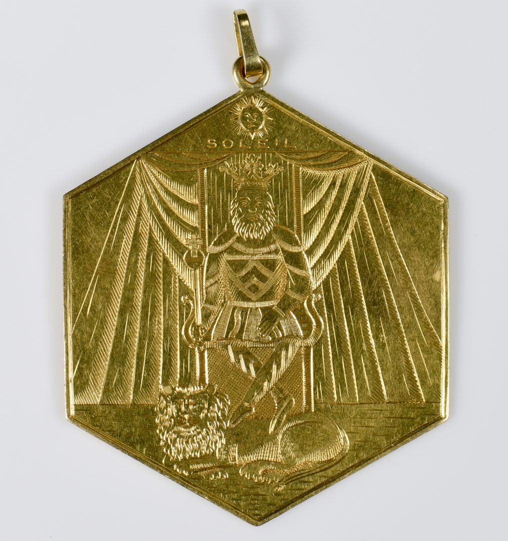"Lot 424: 18K Hexagonal ""Sun"" Pendant, possibly Freemason"