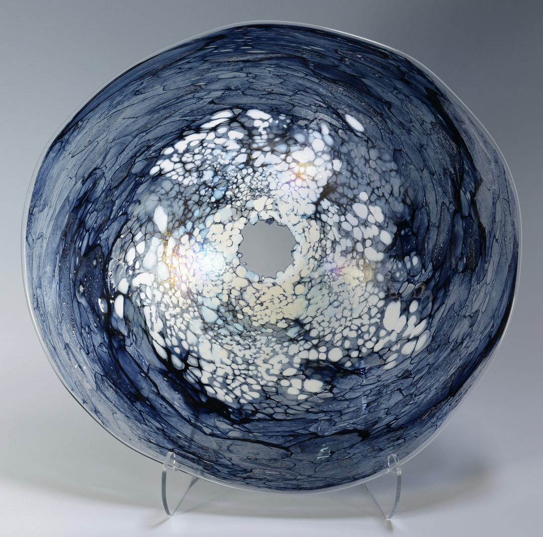 Lot 495: Art Glass Bowl