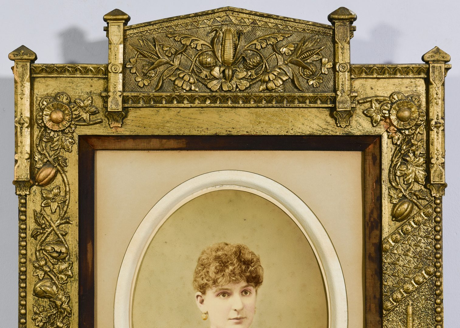Lot 571: Pr. Giers Family Portraits and Studio Chair