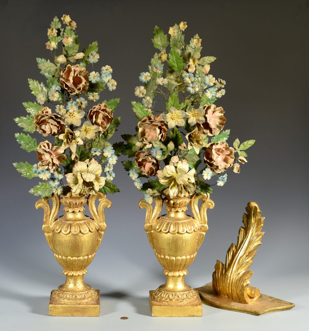 Lot 589: Pr. Gilt Wood & Painted Tole Table Ornaments