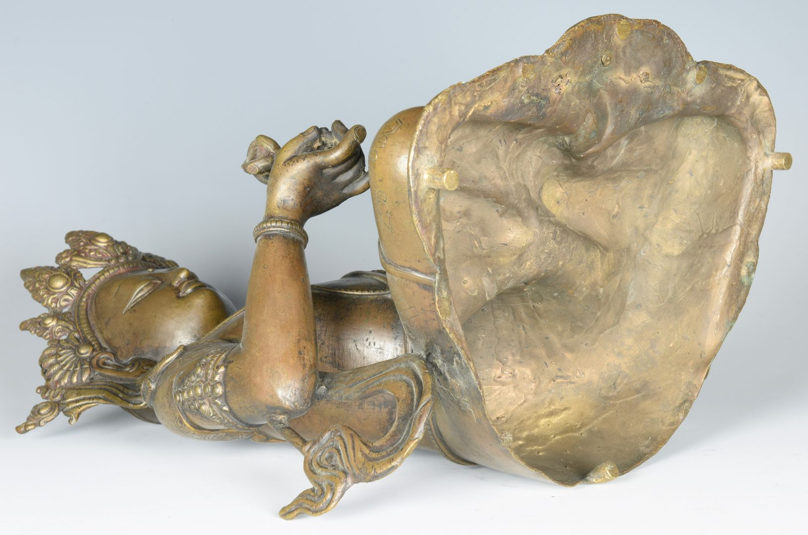 Lot 676: Bronze Bodhisattva