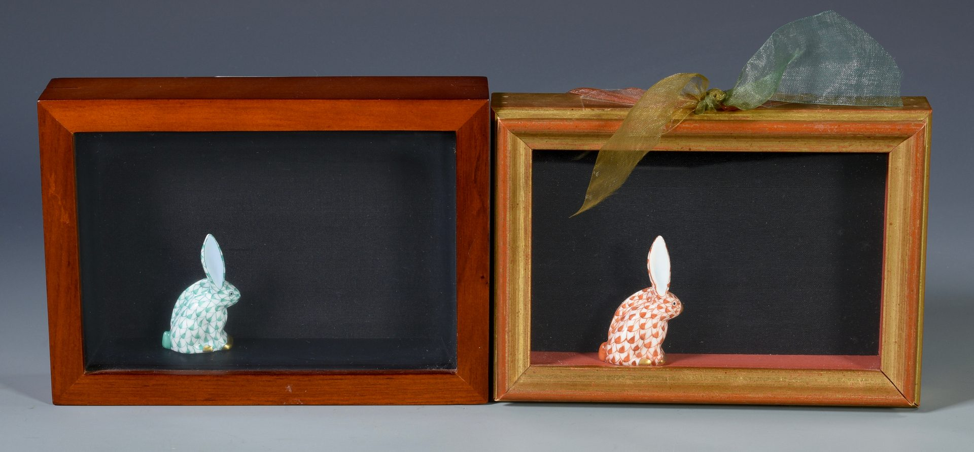 Lot 689: Large Herend Rabbit Figure w/ 2 Rabbit Miniatures