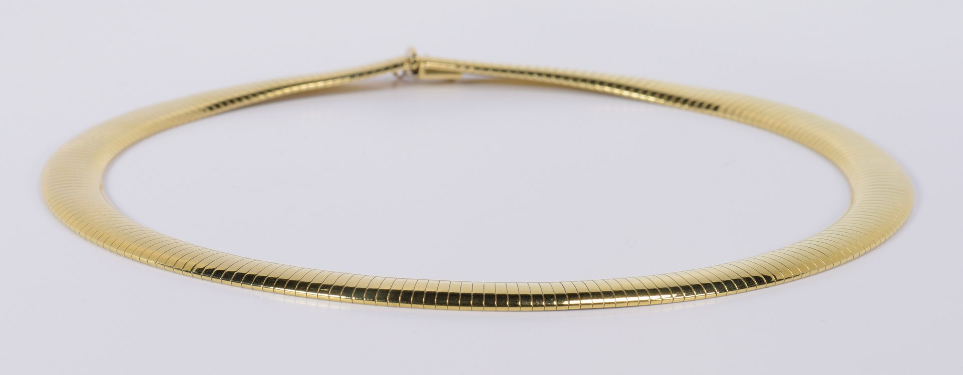Lot 782: 14K Omega Collar Necklace, 45.8 grams