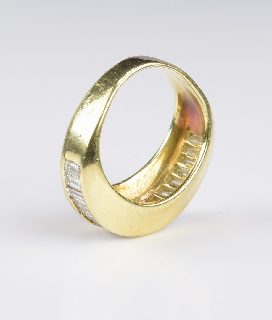 Lot 784: 18K Diamond Baguette Dome Ring