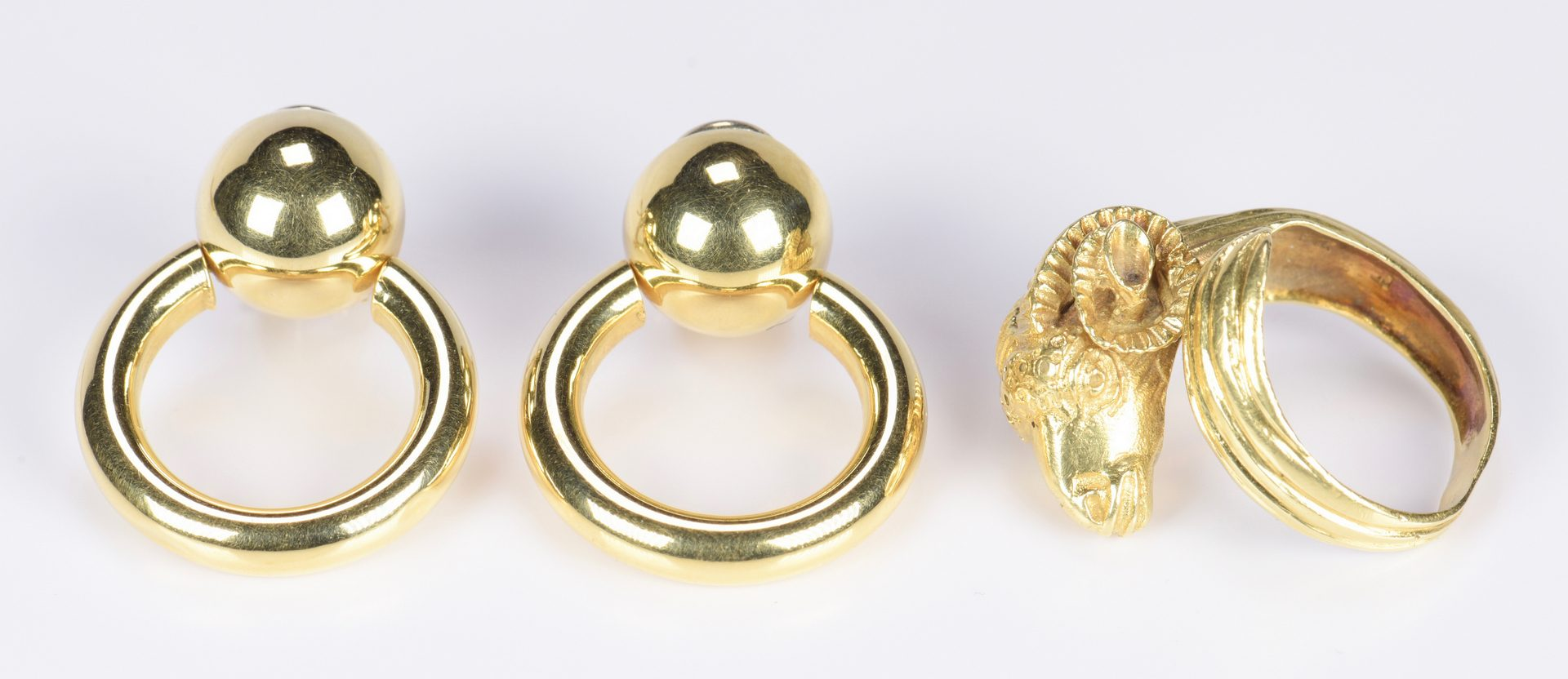 Lot 792: 4 Items of 18K Gold Jewelry, Incl Ram's Head Ring