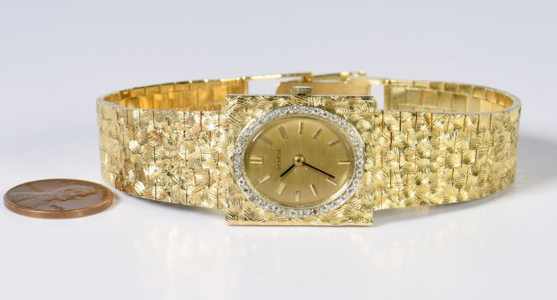 Lot 818: 14K Geneve Diamond Wristwatch