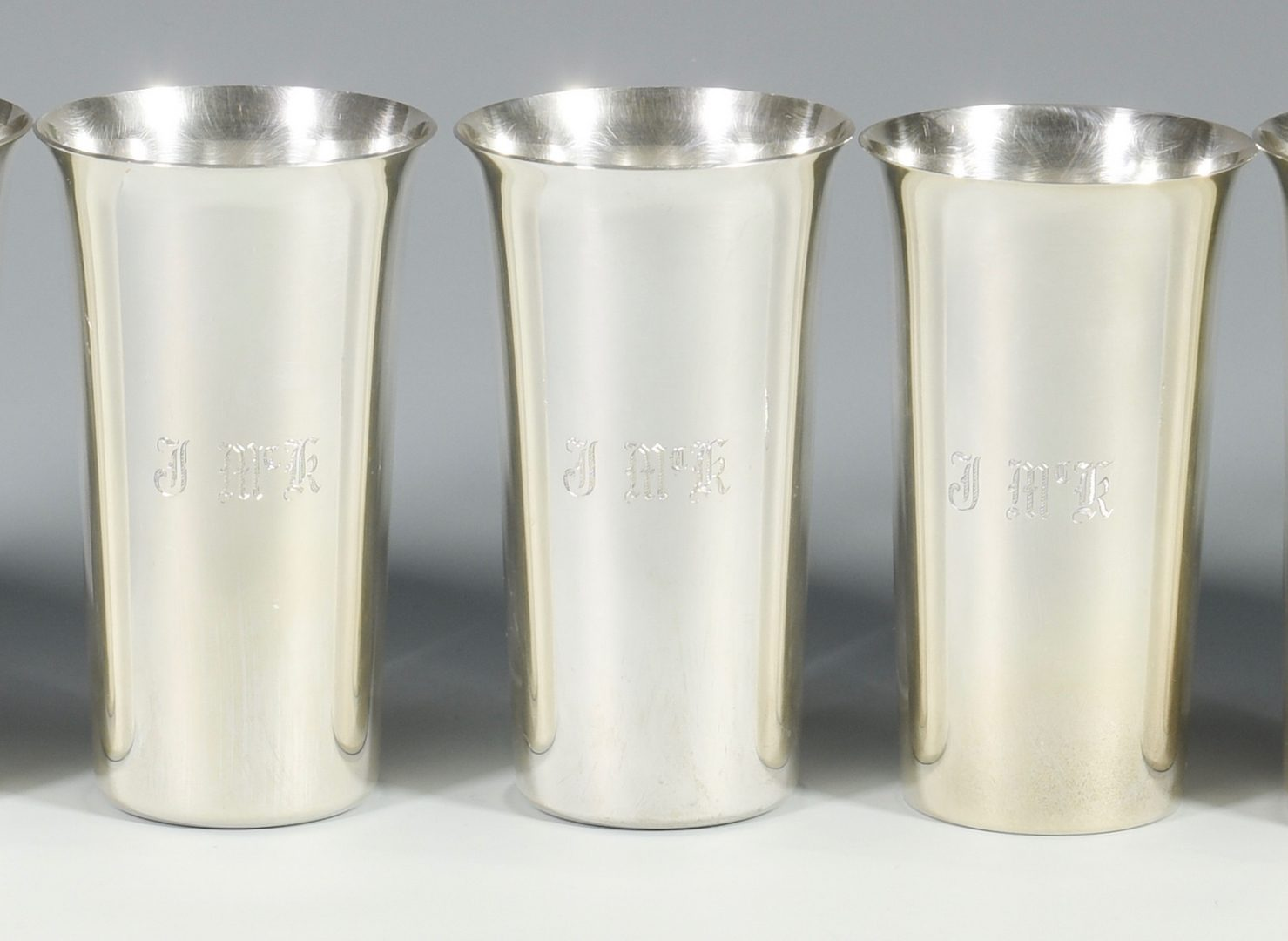 Lot 824: 8 Manchester Sterling Silver Beakers