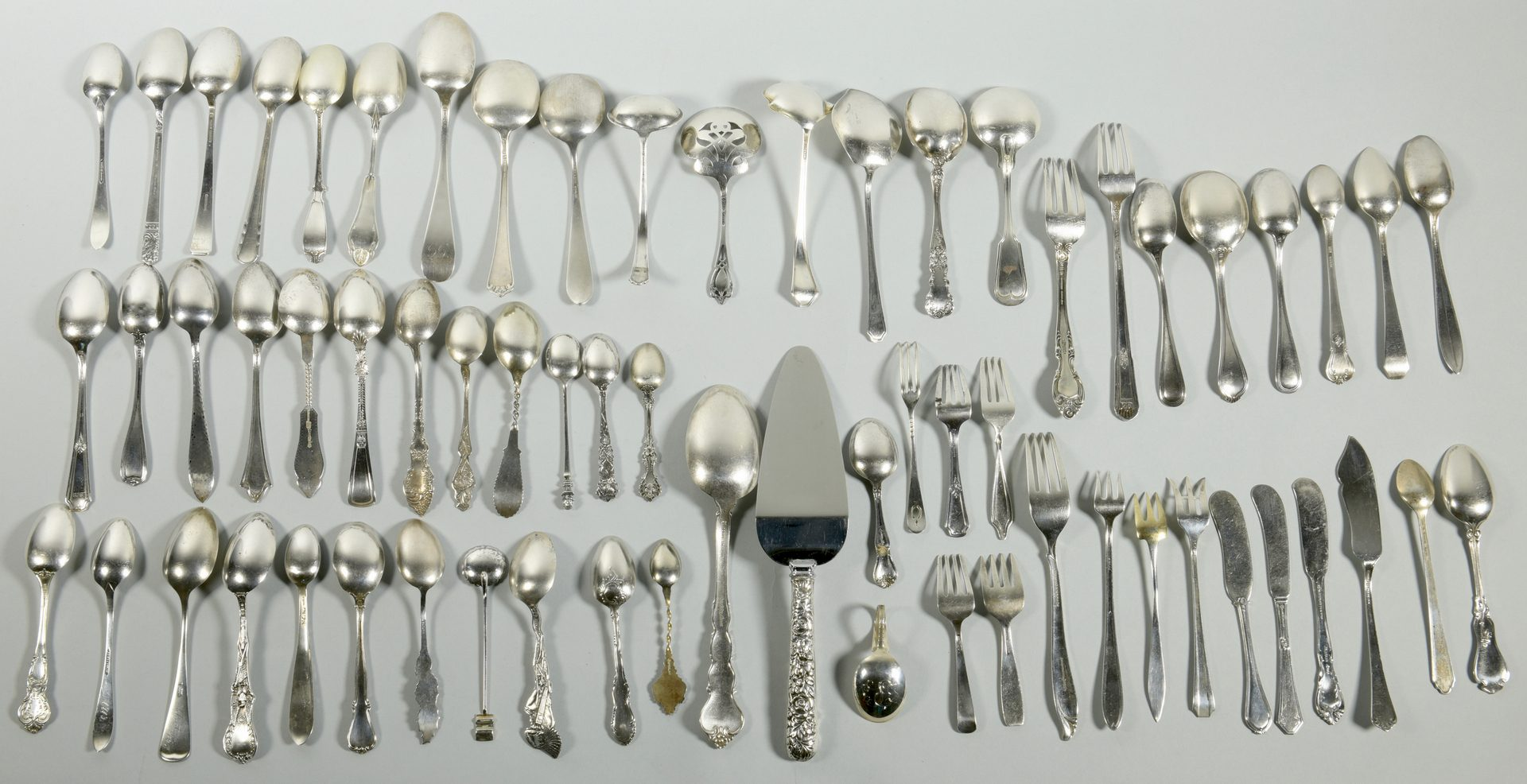 Lot 829: 75 pcs. Sterling Silver Flatware
