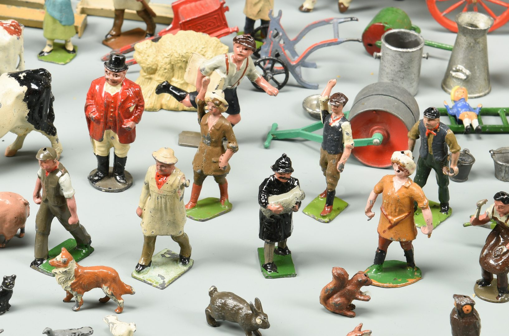 Lot 895: Vintage Britains Home Farm Series Toys