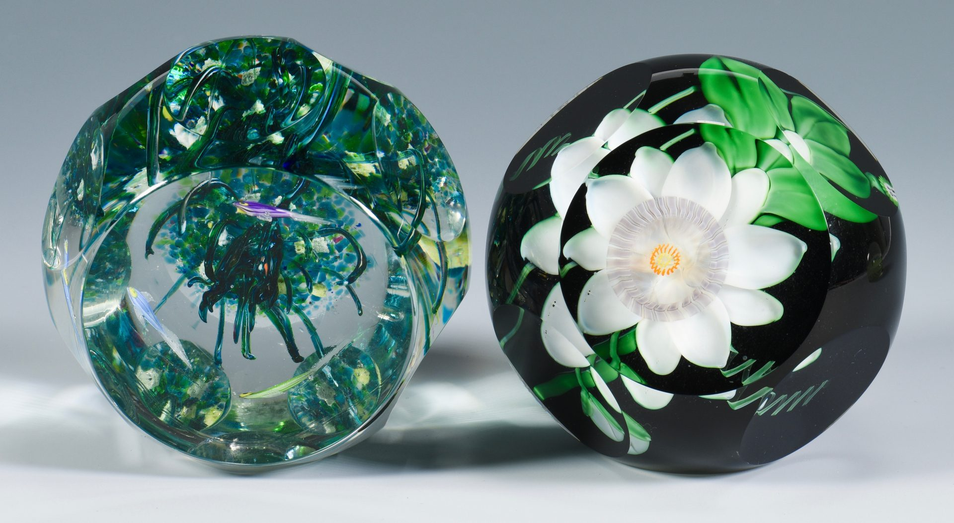 Lot 903: 4 Glass Paperweights