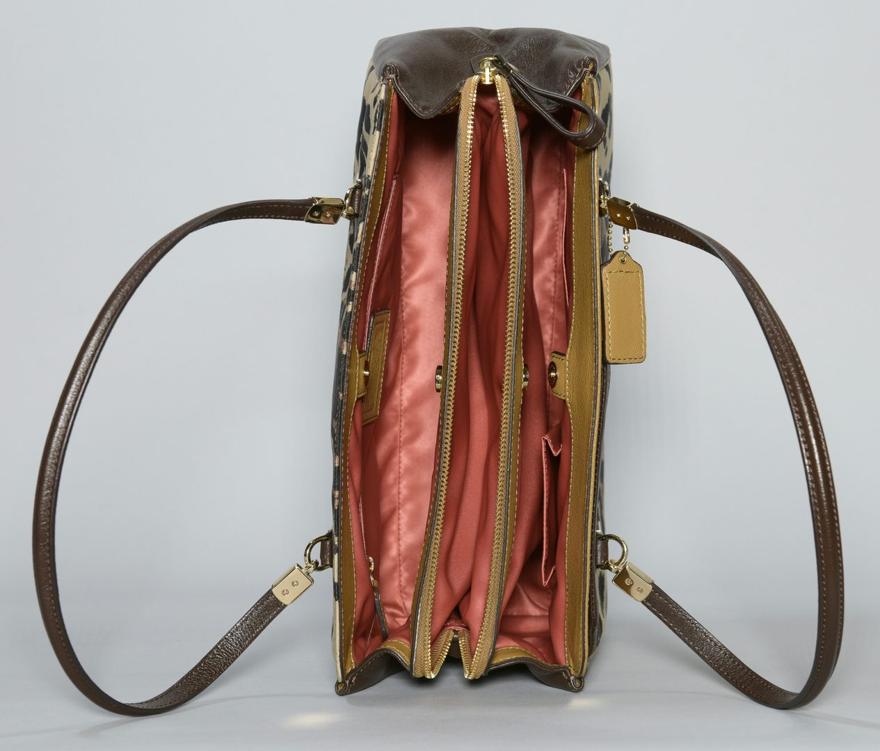 Lot 927: 2 Coach Purses, incl. One New With Tag