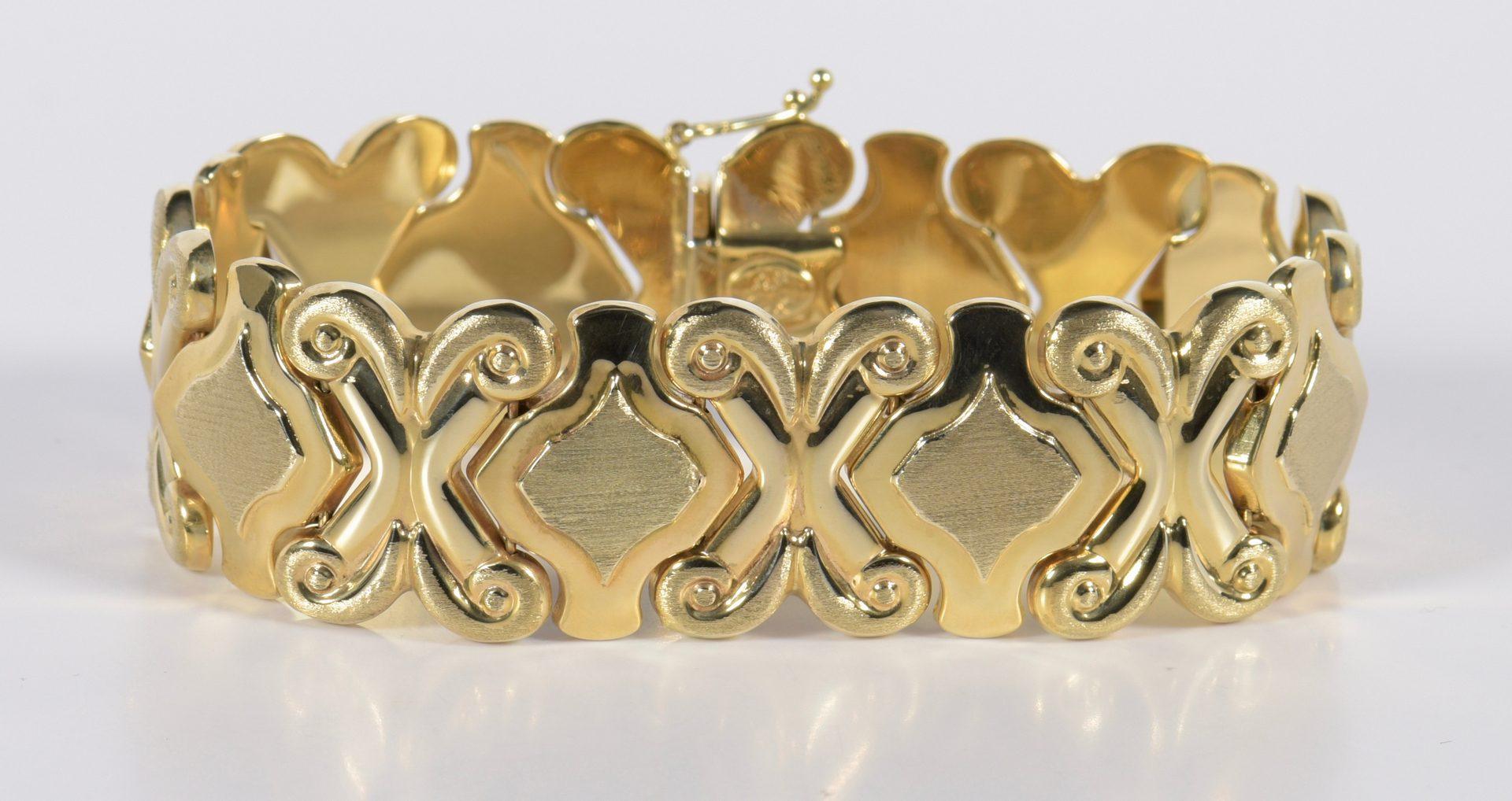 Lot 939: 14K Wide Link Bracelet