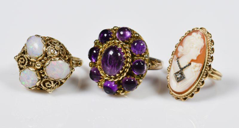 Lot 942: 3 14K Vintage Ladies Rings