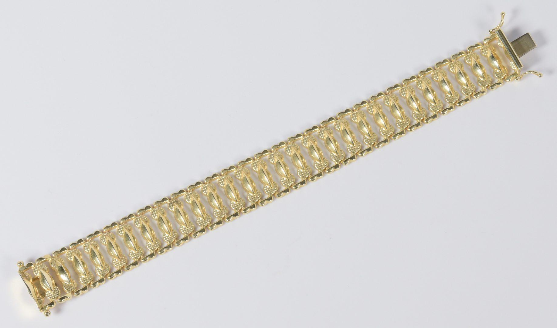 Lot 951: 14K Italian Link Bracelet