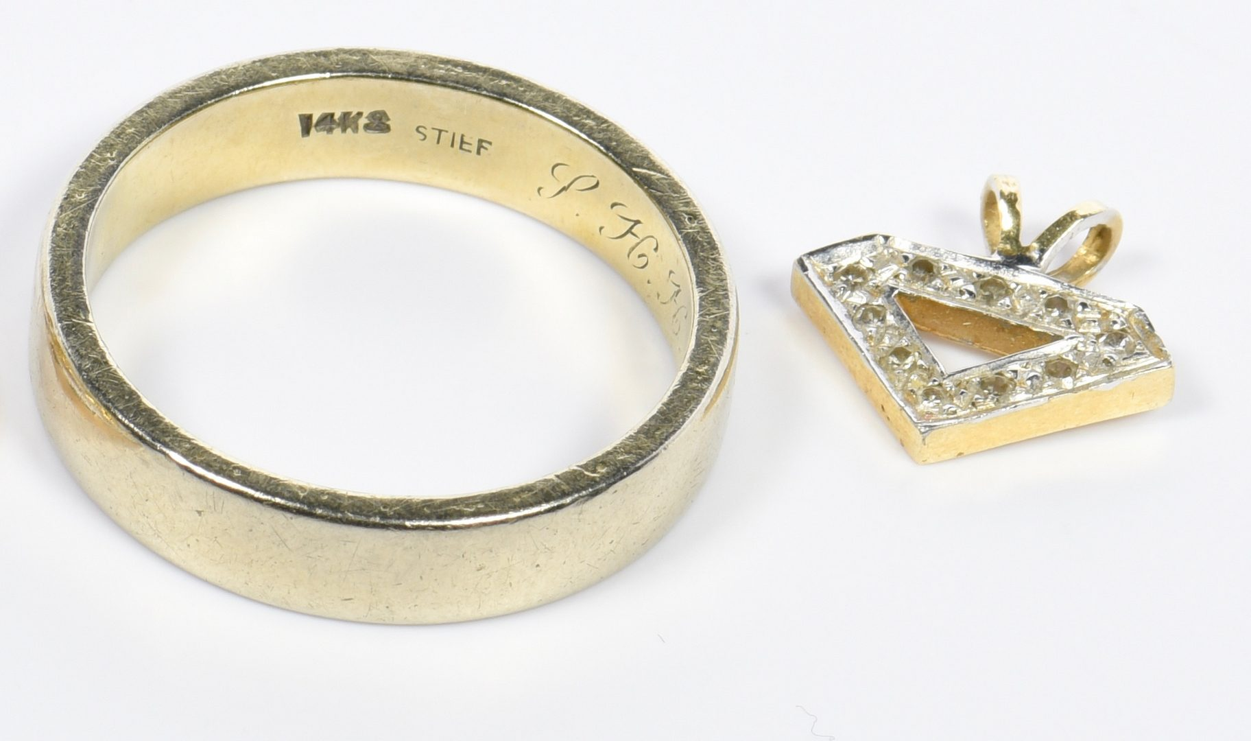 Lot 957: Group of Gold Jewelry, 11 items