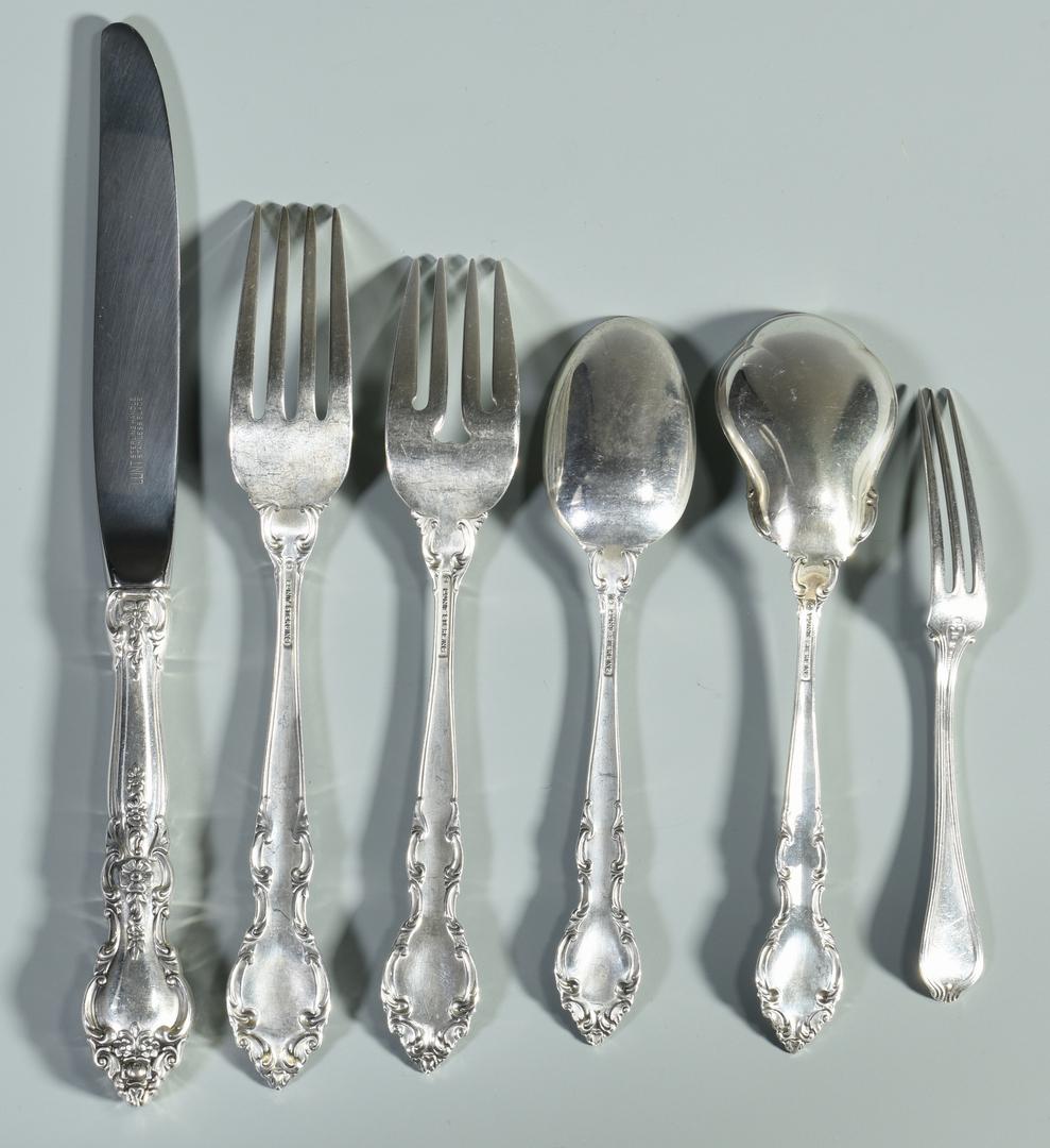 lot 990  lunt belvedere sterling flatware  33 pieces