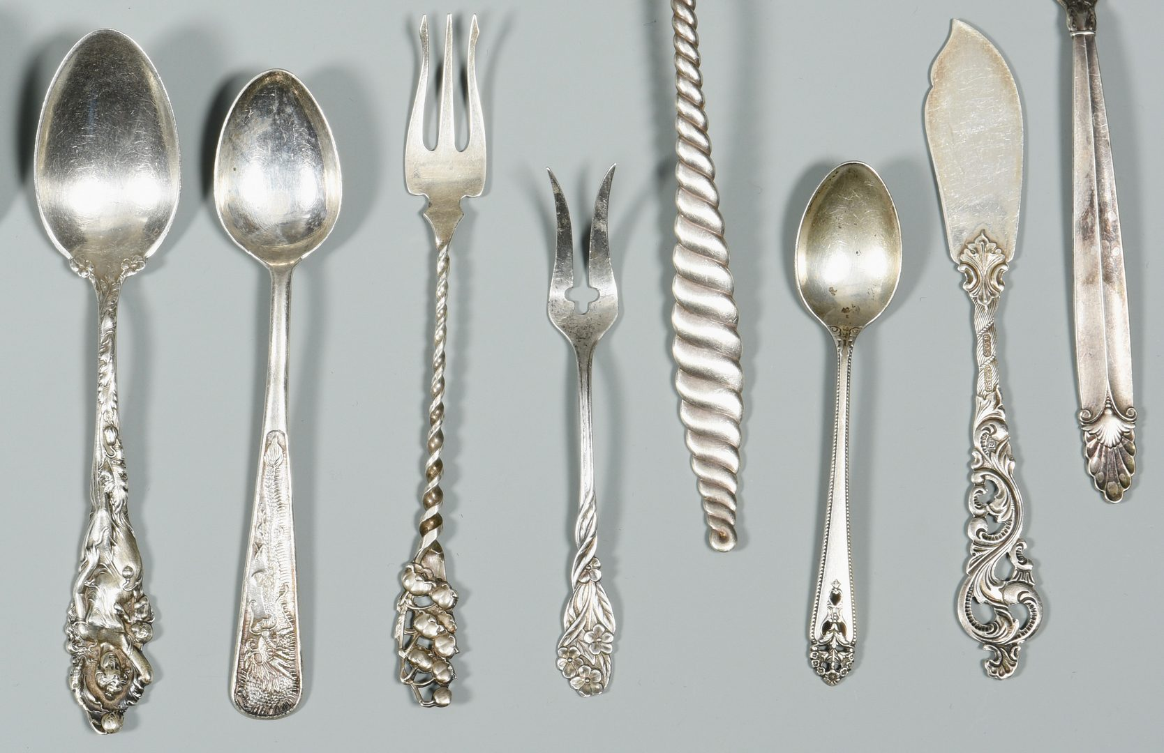 Lot 996: Assorted World Silver Flatware, 43 items