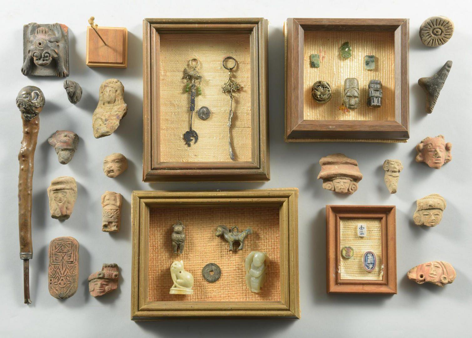 Lot 130: Lot small Chinese brass, stone artifacts