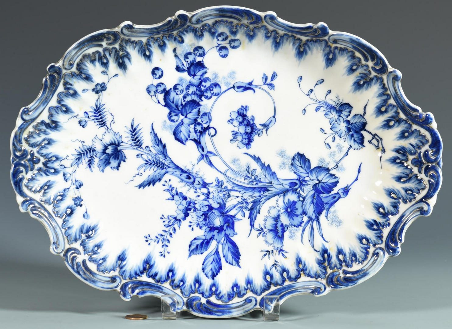 Lot 136: Blue/White Chinoiserie Dish