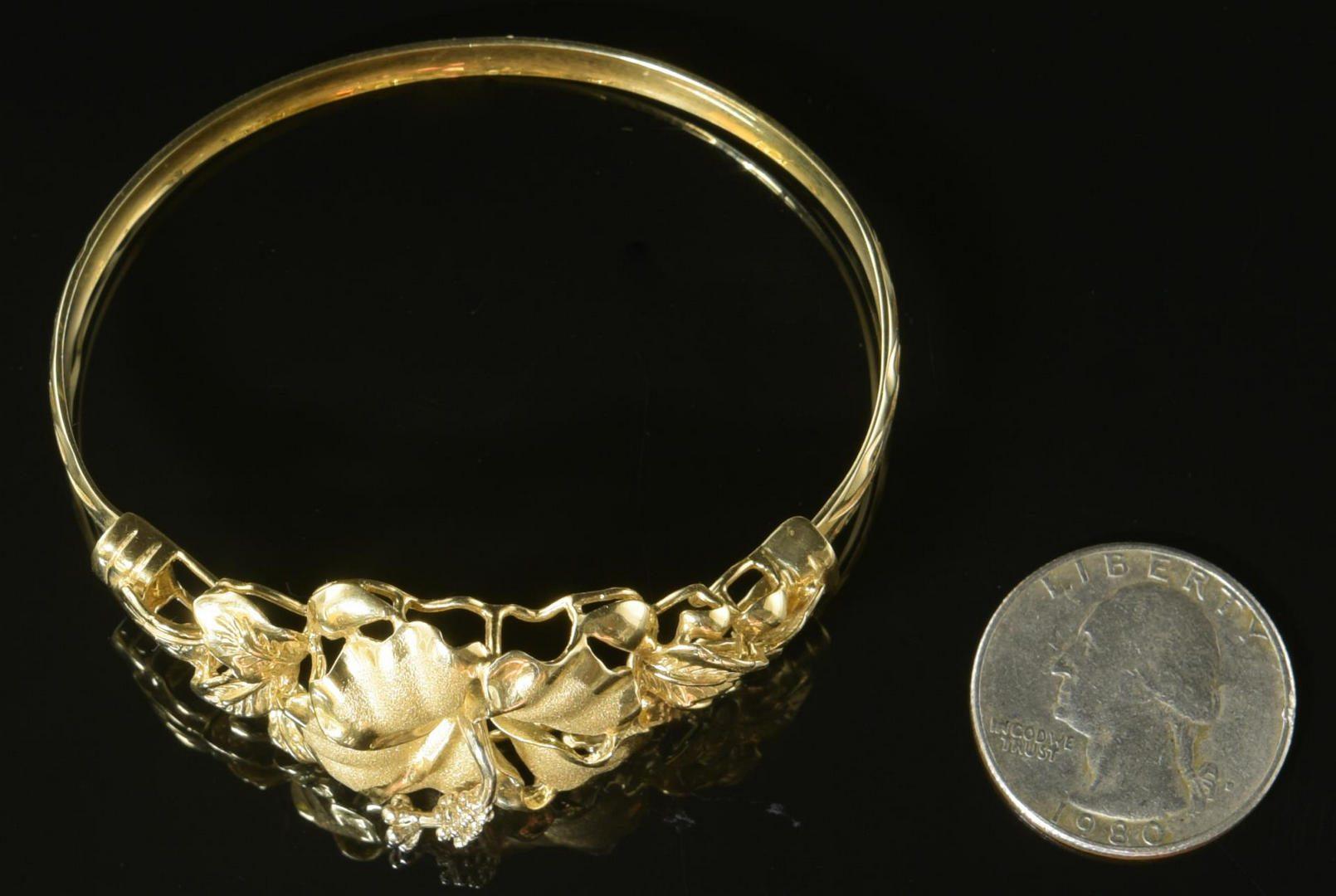Lot 13: 14K Hibiscus Bangle Bracelet