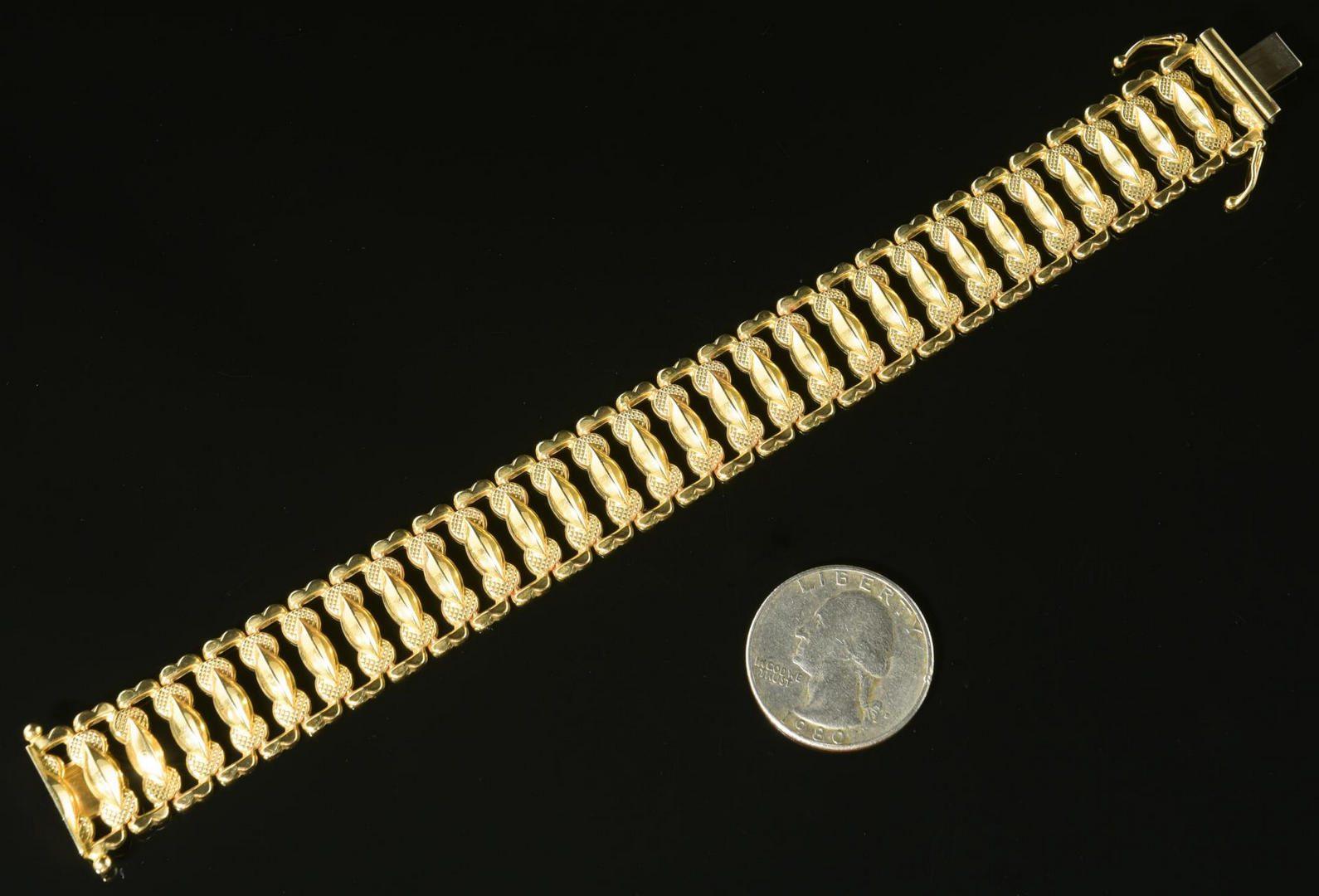 Lot 15: 14K Italian Wide Link Bracelet