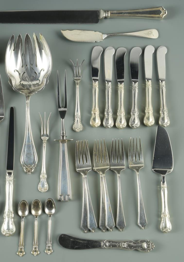 Lot 3: Assorted sterling flatware inc. Etruscan