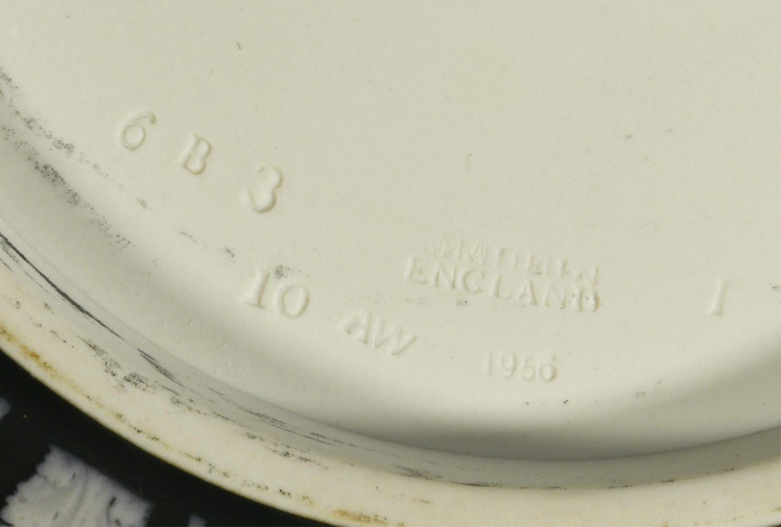 Lot 63: 5 items Wedgwood Jasperware
