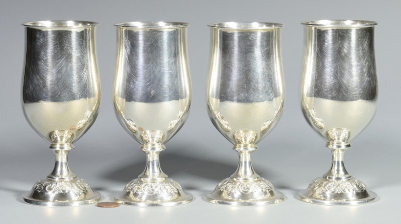 Lot 7: 4 Towle Old Master Sterling Goblets