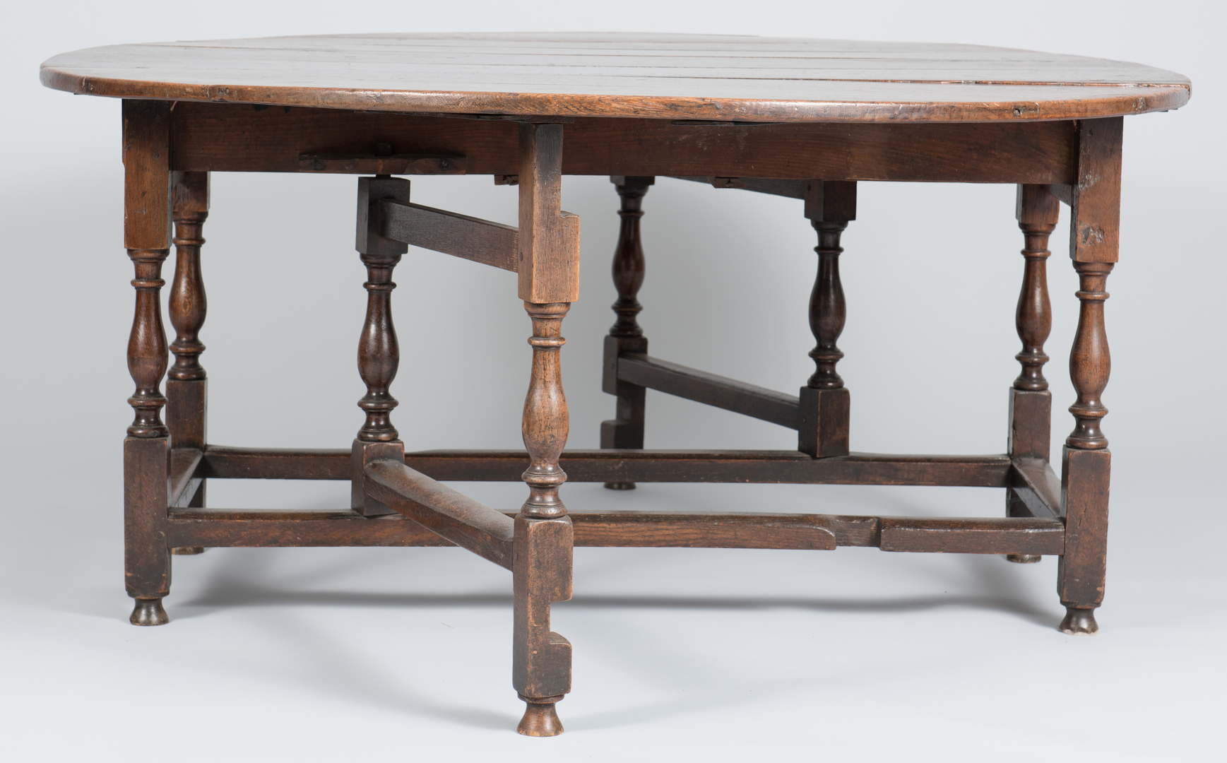 Lot 100 William and Mary Oak Dining Table : 1005 from caseantiques.com size 1737 x 1080 jpeg 1364kB