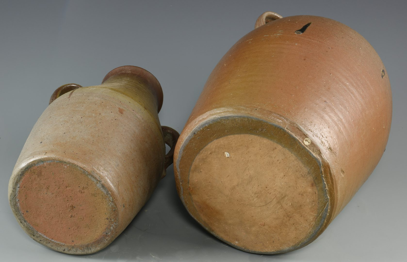 Lot 126: 2 Middle TN 2-Handled Pottery Jars