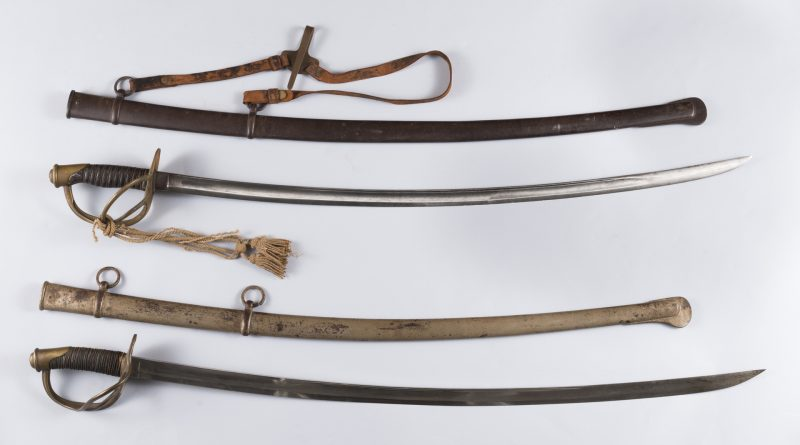 Lot 240: 2 US Civil War Model 1840 Wristbreaker Swords