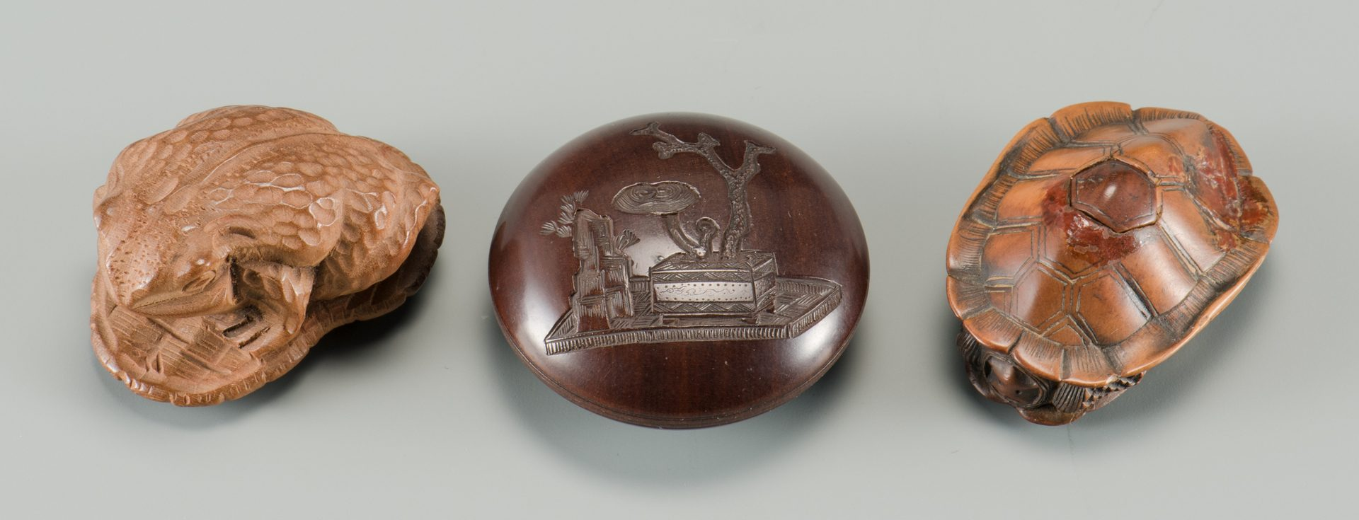Lot 273: 10 Japanese Items inc netsuke