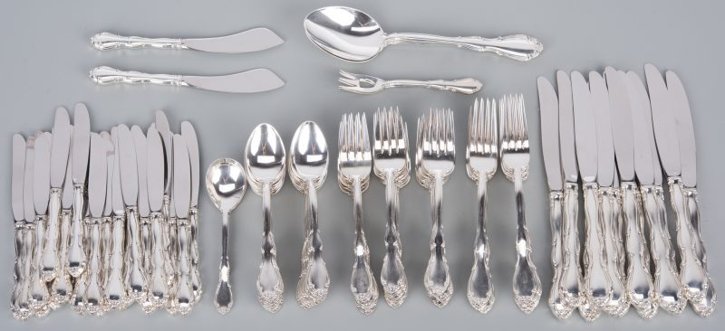 Lot 374: Towle Fontana Sterling Flatware, 104 pcs