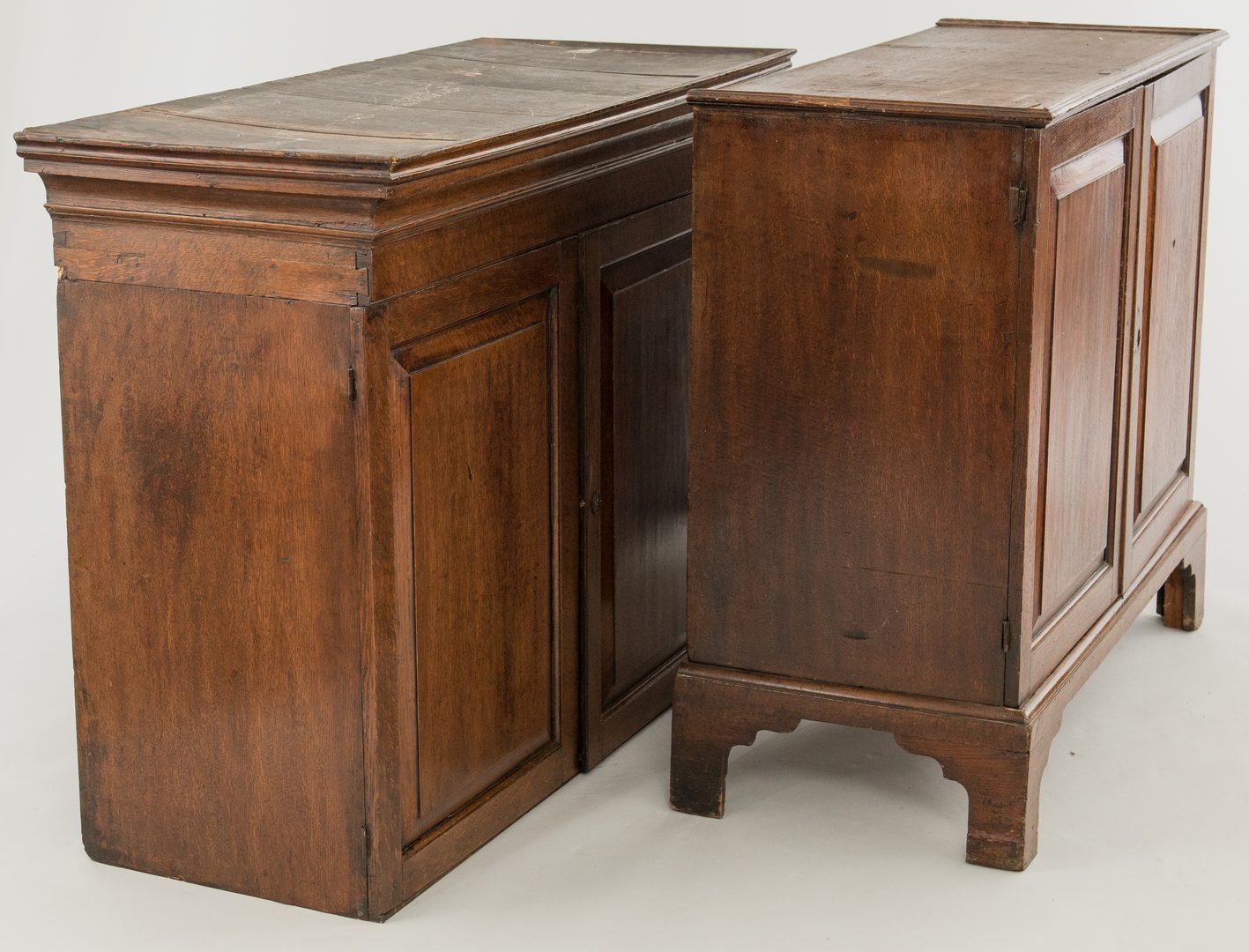 Lot 491: English Oak Linen Press, 18th c.