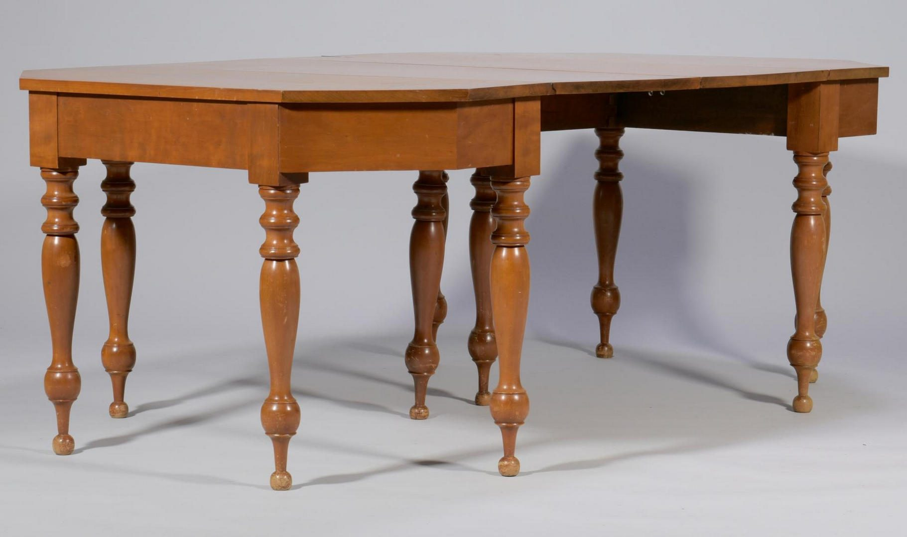 Lot 502: Sheraton Southern Banquet End Tables