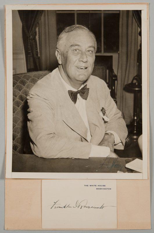 Lot 565: F.D. Roosevelt Signed Card, Photo