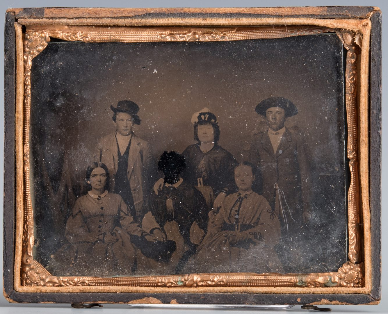 Lot 574: 2 ambrotypes incl. post mortem