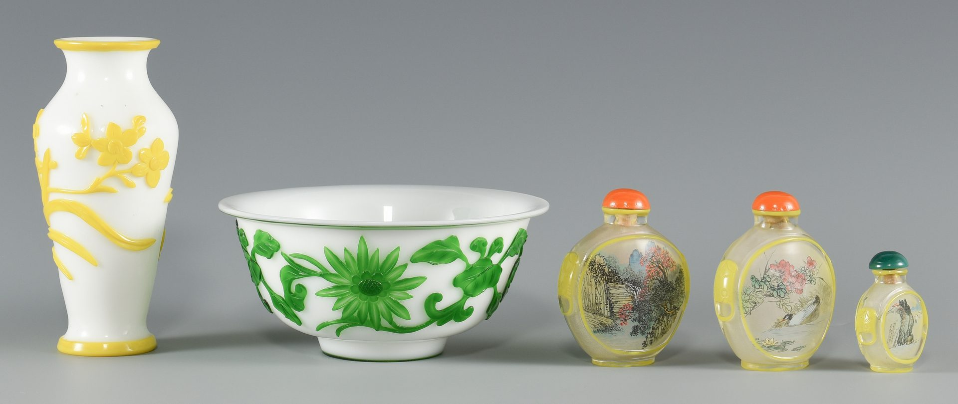 Lot 579: 5 Chinese Peking Glass Items