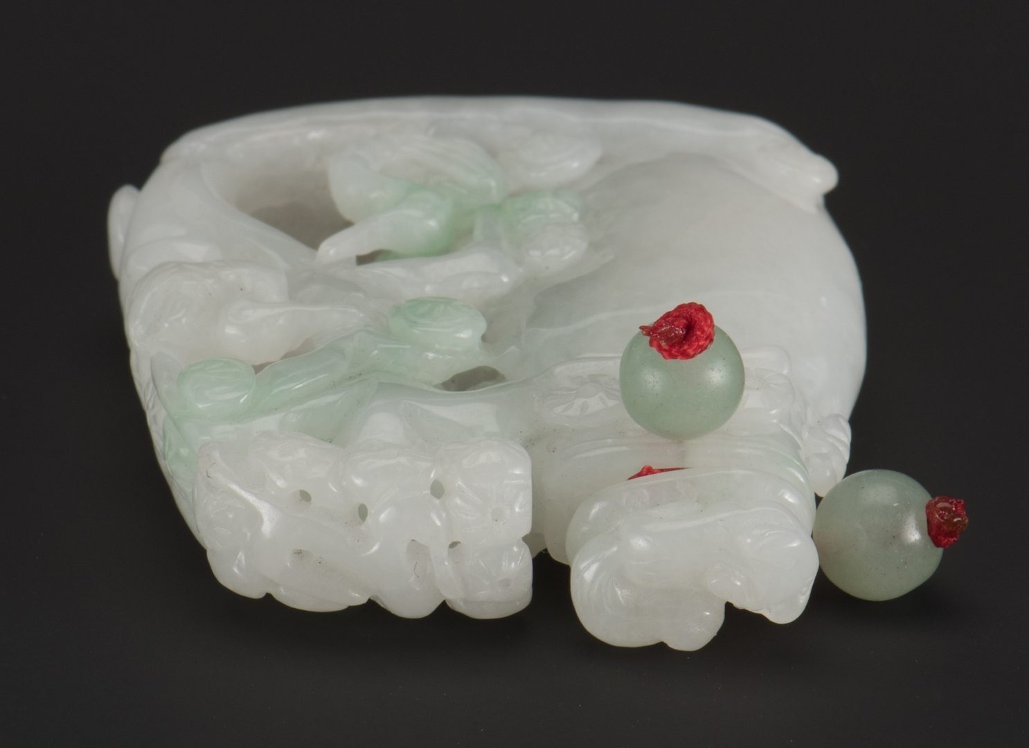 Lot 5: Jade Boulder Snuff Bottle