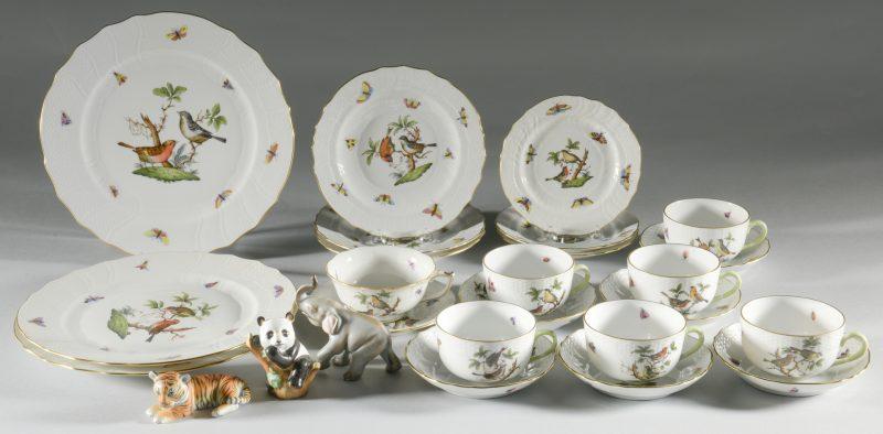 "Lot 620: Herend Rothschild Dinnerware & ""Smithsonian"" Animals, 26 pcs."