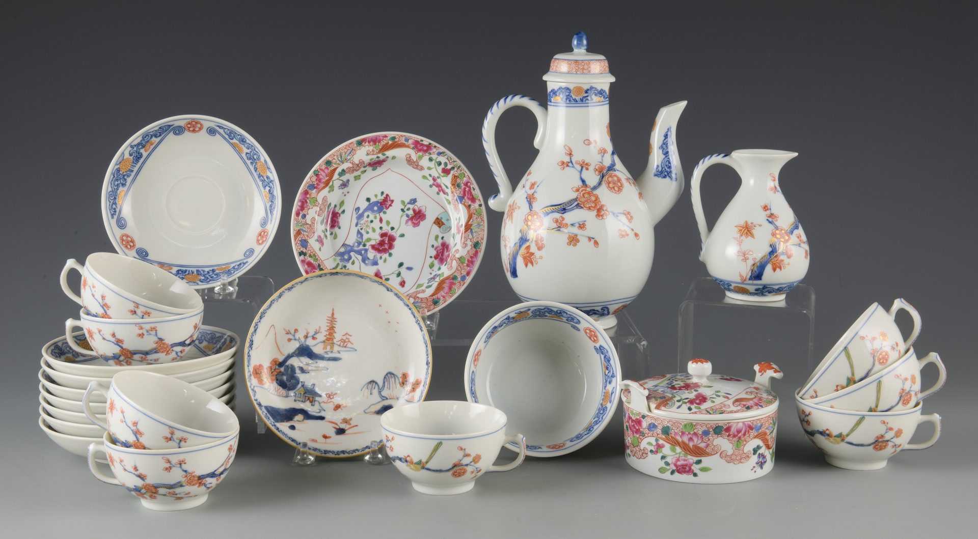 Lot 621: Mottahedeh Tea Set & More, 22 pcs