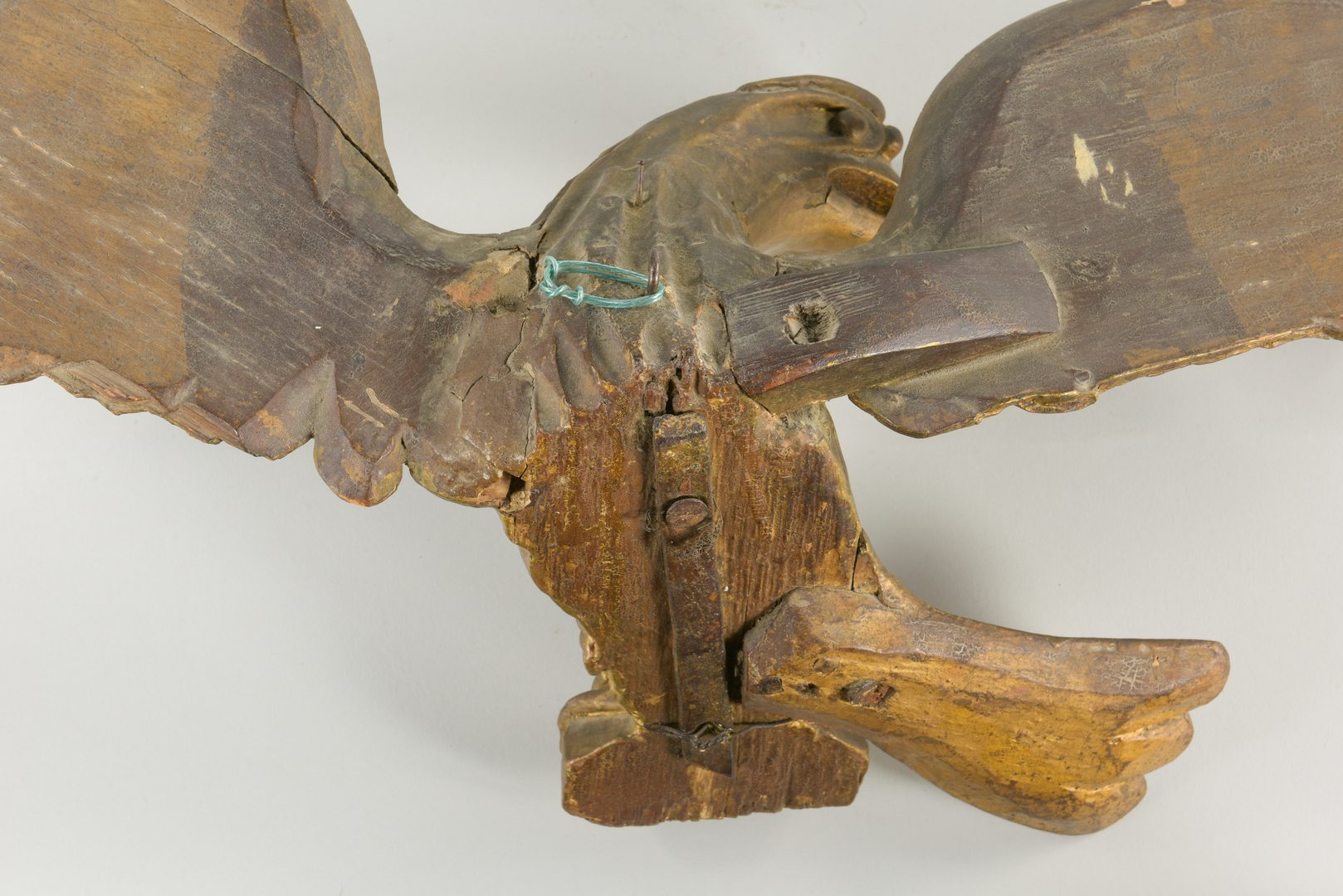 Lot 629: Two Carved American Gilt Eagles