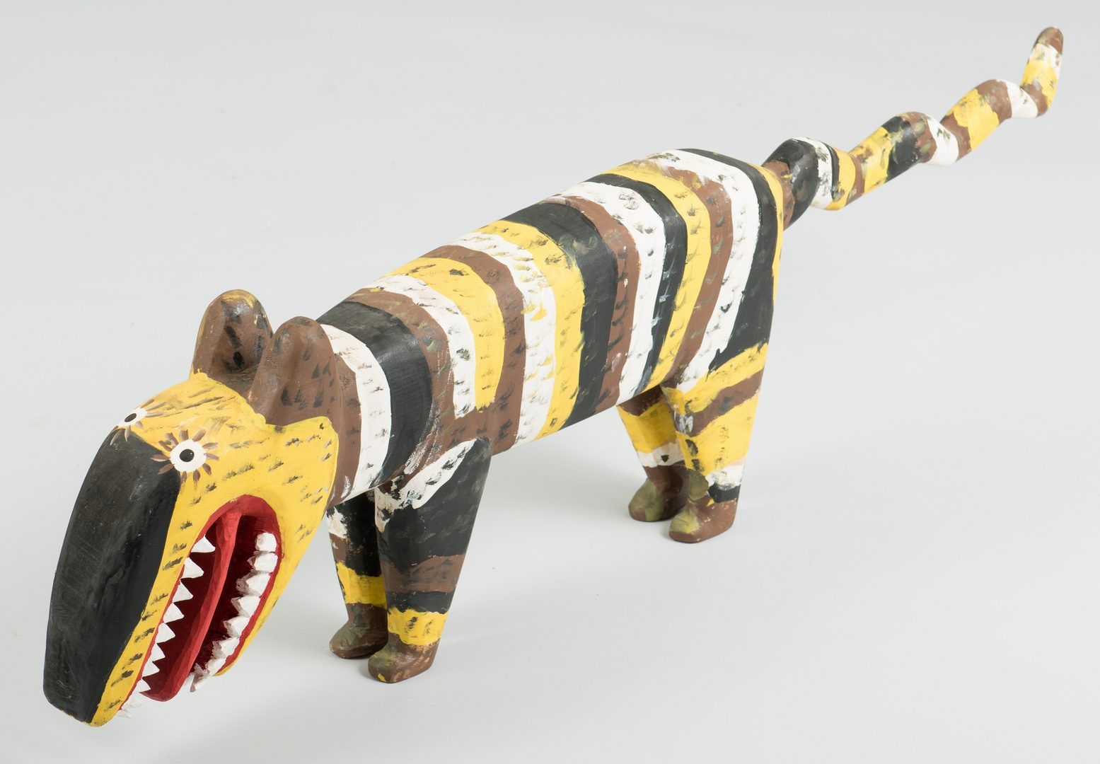 Lot 647: Minnie and Garland Adkins, Pole Cat Carving