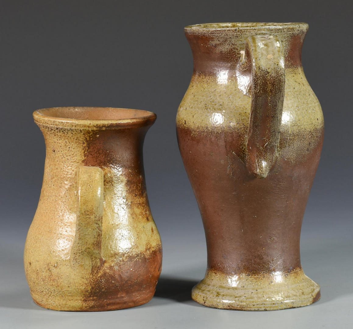 Lot 673: 2 Middle TN Urn Form Pottery Items