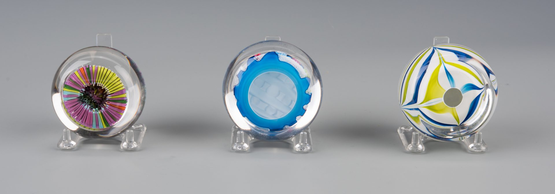 Lot 683: 9 St. Louis (France) Paperweights